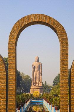 IN08505 India, Uttar Pradesh, Sarnarth, near Varanasi, Hinayana Buddha temple know as the Thai temple and monastry