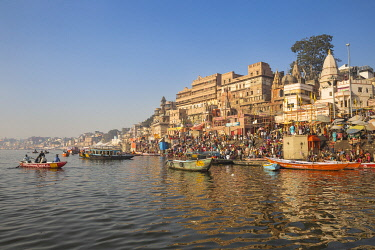 IN08542 India, Uttar Pradesh, Varanasi, View towards Dashashwamedh Ghat
