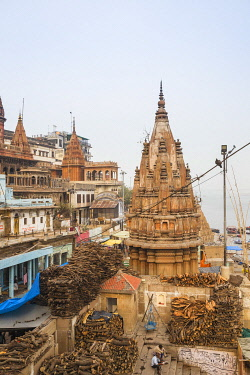 IN08543 India, Uttar Pradesh, Varanasi, Manikarnika Ghat - The main burning ghat, Stacks of wood for cremation