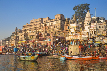 IN08545 India, Uttar Pradesh, Varanasi, View towards Dashashwamedh Ghat