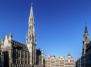 BEL1907AWRF Town Hall at Grand Place, UNESCO World Heritage Site, Brussels, Belgium