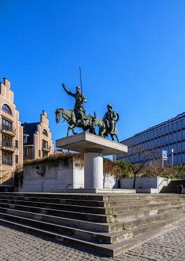 BEL1878AW Don Quixote Monument at Spanish Square, Brussels, Belgium