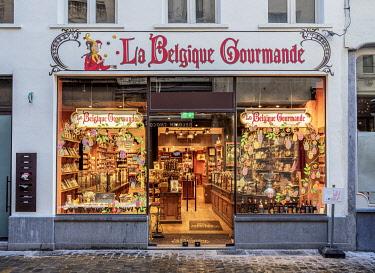 BEL1897AW La Belgique Gourmande Chocolate Shop, Brussels, Belgium