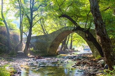 CYP0166AW Tzelefos Bridge, ancient Venetian stone bridge, Agios Nikolaos, Paphos District, Cyprus