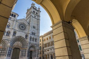 ITA14320AW europe, Italy,Liguria. Genoa, the facade of the cathedral San Lorenzo