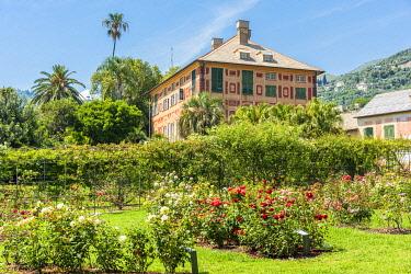 ITA14362AW Europe, Italy, Liguria. Genoa, Nervi. A detail of Villa Groppallo and its park.