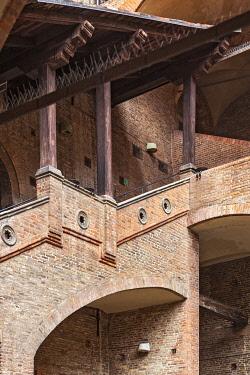 ITA14399 Architectural detail of The Palazzo Re Enzo, Piazza del Nettuno, Bologna, Emilia Romanga, Italy.