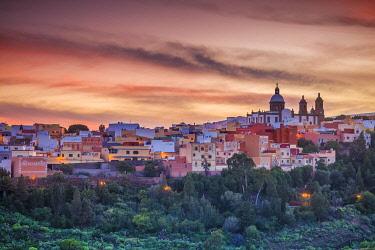 ES09426 Spain, Canary Islands, Gran Canaria Island, Aguimes, town view with Iglesia de San Sebastian church, dusk