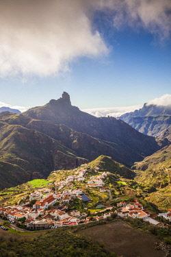 ES09489 Spain, Canary Islands, Gran Canaria Island,  Tejeda, high angle village view