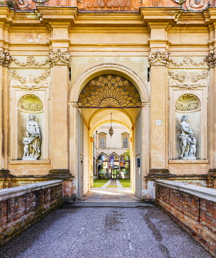 ITA14491 Italy. Emilia Romagna. Busseto. Entrance to the Villa where famed Italian Opera Composer lived which now houses his museum.