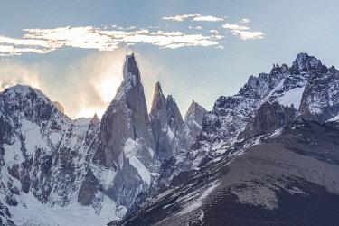 CLKFM112310 Argentina,Patagonia,Santa Cruz Province,Los Glaciares National Park,view from Mirador de los Condores of Cerro torre at sunset