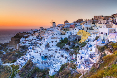 CLKNO101559 Sunset at the village of Oia in Santorini, Cyclades Islands, Greece