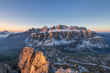 CLKMK112107 Gran Cir, Gardena Pass, Dolomites, Bolzano district, South Tyrol, Italy, Europe. View at sunrise from the summit of Gran Cir to Sella mountains