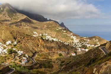 CLKFM102187 Spain, Canary Islands, Tenerife, Taganana,coastal mountain view