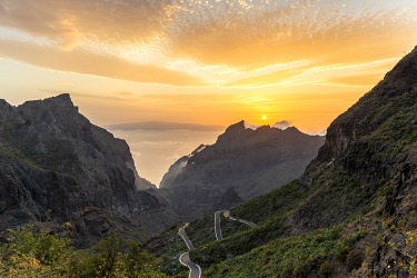 CLKFM102249 Spain,Canary Islands,Tenerife,Teno massif and in the background the island of La Gomera at sunset