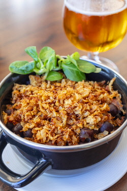 LV01180 Grey Peas with Smoked Bacon and Fried Onions, Riga, Latvia, Northern Europe,
