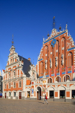 LV01184 House of Blackheads and Schwab House, Town Hall Square, Old Town, Riga, Latvia, Northern Europe,