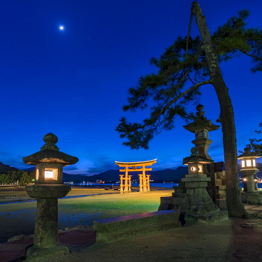 JAP1933AW The Great Torii of Miyajima, Japan