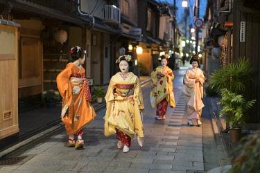 JAP1991AW A group of Maiko and Geisha, Gion district, Kyoto, Japan