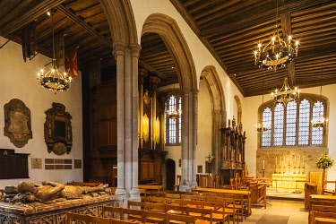 TPX70684 England, London, Tower of London, The Chapel Royal of St.Peter ad Vincula, Interior View of The Altar