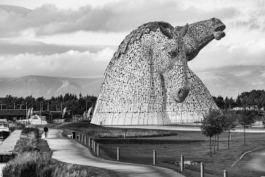 SCO35363 The Kelpies are the largest equine sculptures in the world. Located between Falkirk and Grangemouth in Scotland, The Kelpies� name reflects the mythological transforming beasts that possess the str...