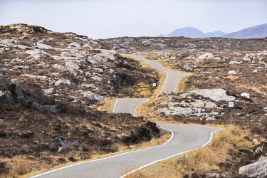 SCO35421 United Kingdom, Scotland, Outer Hebrides, Isle of Harris, The single track Golden Road along the east coast of South Harris
