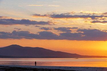 SCO35438 United Kingdom, Scotland, Outer Hebrides, Berneray, Sunrise on Beasdaire Beach (MR)