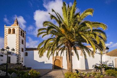 ES09568 Spain, Canary Islands, Fuerteventura Island,  Betancuria, Iglesia de Santa Maria church, exterior