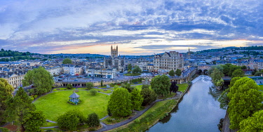 UK08540 Bath city center and River Avon, Somerset, England