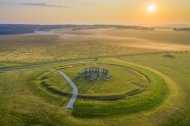 UK08574 Stonehenge, Salisbury Plain, Wiltshire, England