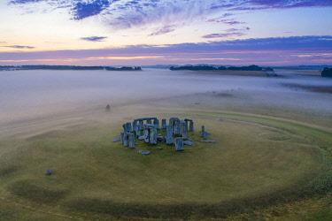 UK08575 Stonehenge, Salisbury Plain, Wiltshire, England
