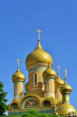 ROM1669AWRF The golden domes of St. Nicholas Orthodox Church. Bucharest, Romania