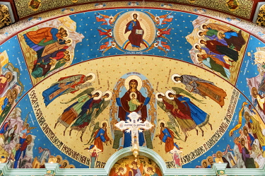 ROM1602AW Frescoes inside the Church of Good Annunciation (Biserica Buna Vestire). Brasov, Transylvania. Romania
