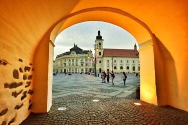 ROM1637AW Medieval street, Piata Mare. Sibiu, Transylvania. Romania