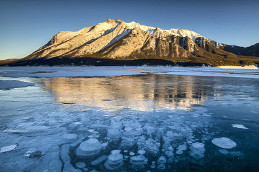 CAN3517AW Frozen Bubbles on Abraham Lake, Alberta, Canada