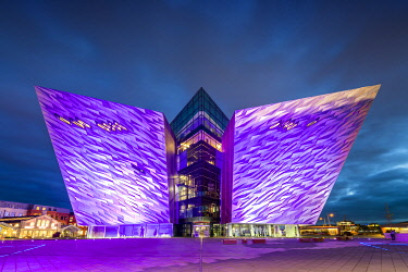 NIR8943AW Titanic Building at Night, Belfast, Northern Ireland