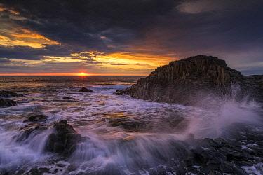 NIR8951AW Giant's Causeway at Sunset, Co. Antrim, Northern Ireland