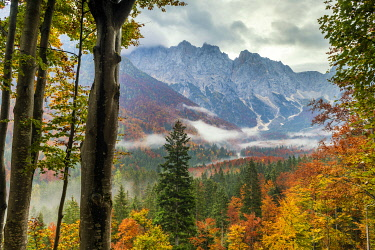 SLV1500AW Triglav National Park in Autumn, Julian Alps, Slovenia