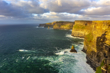 EU15CHA0004 The Cliffs of Moher in County Clare Ireland