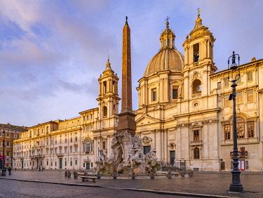 IT01929 Italy, Lazio, Rome, Ponte, Piazza Navona, Fontana dei Quattro Fiumi, Fountain of the Four Rivers, River God Nile