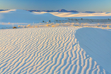 US32BJY0439 USA, New Mexico, White Sands National Park. Sand dunes at sunrise