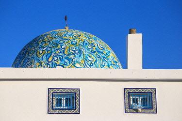 TU02155 Tunisia, Kairouan, Madina, Dome on the terrace roof of a cosmetic shop