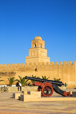 TU02160 Tunisia, Kairouan, Great Mosque
