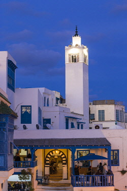 TU02268 Tunisia, Sidi Bou Said, View of Cafe El Alia and Sidi Bou Said Mosque
