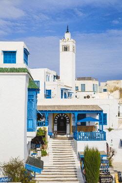 TU02284 Tunisia, Sidi Bou Said, View of Cafe El Alia and Sidi Bou Said Mosque