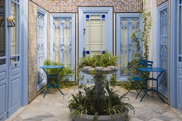 TU02311 Tunisia, Picturesque whitewashed village of  Sidi Bou Said, Courtyard at Hotel Dar Said