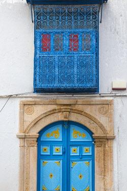 TU02315 Tunisia, Picturesque whitewashed village of  Sidi Bou Said