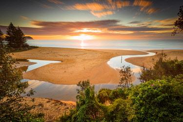 AUS3557AW Sunrise  at Terrigal lagoon. Terrigal, Central Coast, New South Wales, Australia