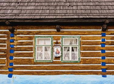 SLV1539AW Hut in Open Air Museum, detailed view, Stara Lubovna, Presov Region, Slovakia