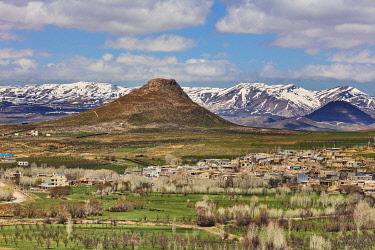 IR01368 Mountain landscape, Takht-e Soleyman, West Azerbaijan, Iran